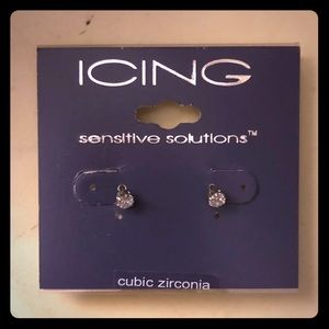 NWT cubic zirconia Icing stud earrings